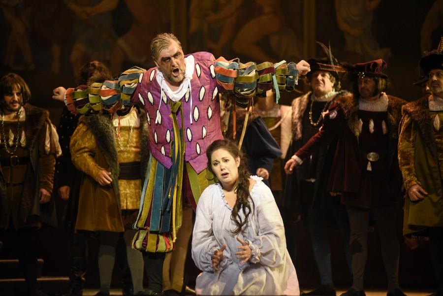 Königliches Opernhaus schrumpft Penis